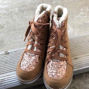 GAP Shoes - Gap kids Girls size 13 lumber jack style booties